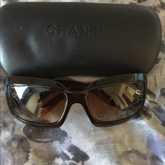 bb4fa5d70123 CHANEL Accessories - Rare Chanel Sunglasses in Tortoise Shell 🕶