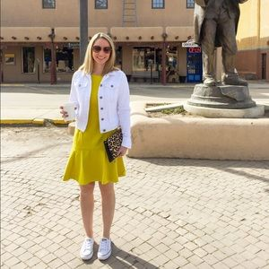 Banana Republic Dresses - Banana Republic Short Sleeve Flounce Dress