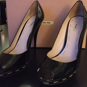Miu Miu never been worn pump