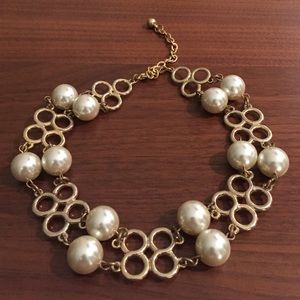 Vintage Jewelry - Pearl and gold vintage statement necklace