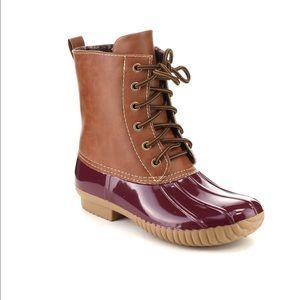🎈LAST ONE🎈Ladies DYLAN DUCK BOOTS.Bordeaux color