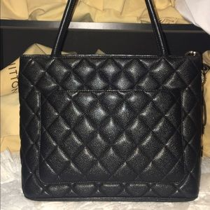 cc2b0557ecbb CHANEL Bags -    SOLD ON TRADESY    Authentic Chanel Medallion