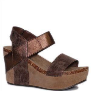 Pierre Dumas Shoes - Pierre Dumas Wedge ONLY ONE PAIR LEFT!!