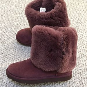 purple uggs with buttons