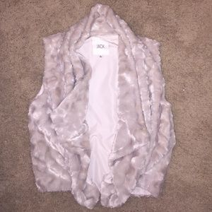 LF Jackets & Blazers - Faux fur vest, PERFECT FOR FALL! Size large
