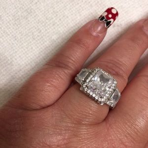 Jewelry - Sterling Silver CZ Ring Size 8