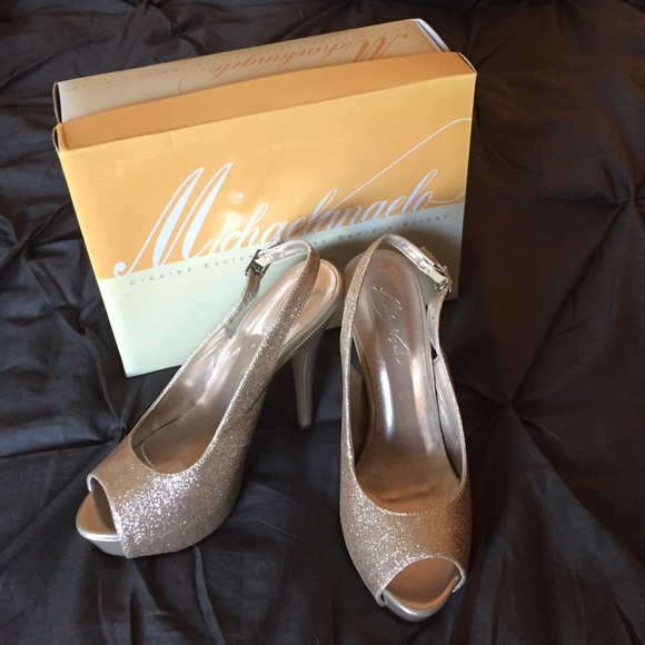 6c5e0a050bf David s Bridal Shoes - Gold Glitter Peep-toe Heels- Perfect for Parties!