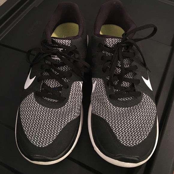 4cff5490f246 Women Nike Free 4.0 V4 Black Wolf Grey Silver. M_580cbee2a88e7d7f34074b47