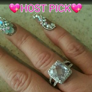 Jewelry - NWT Faceted CZ Ring Size 8