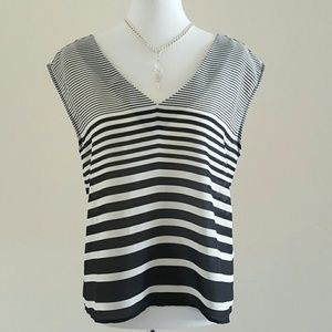 Forever 21 Tops - Black and White Striped vneck Top