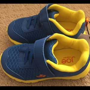 NWT Boys Toddler Tennis Shoes