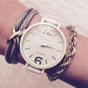 🔸LAST ONE🔸 Cream & Gold Large Face Women's Watch