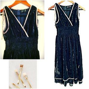 Anthropologie Dresses & Skirts - Stunning Teal Velvet V-neck layered dress