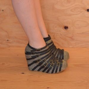 Sold Out Jeffrey Campbell Wedge Strappy Heels SZ 9