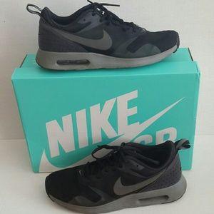 Nike Air Max Tavas Size 7