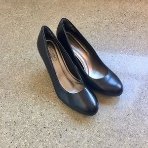predictions Shoes - Predictions • Basic Black Pump