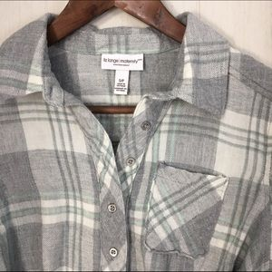 d33a21f4e3412 Liz Lange for Target Tops - Liz Lange Maternity flannel grey button down  tunic