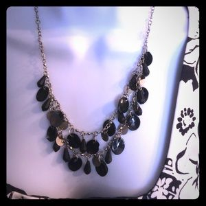 Accessory Collective Jewelry - Pretty statement necklace black & silver beads