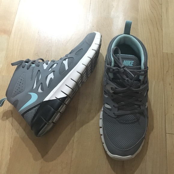 sports shoes f5029 333a4 Nike Free Run 2 Mid Sneakerboot