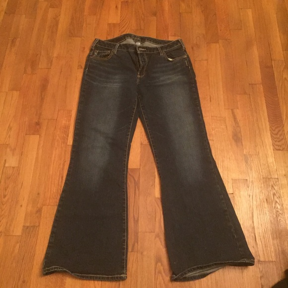 Silver Jeans - Silver Jeans size 34/31 from Beth's closet on Poshmark