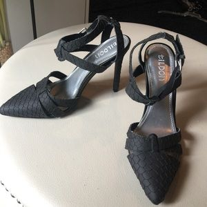 NWT TILDON BLACK PUMPS WITH ANKLE STRAP BUCKLE