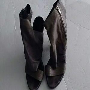 Women LD Tuttle Sz 39 Leather Open Toe Heel