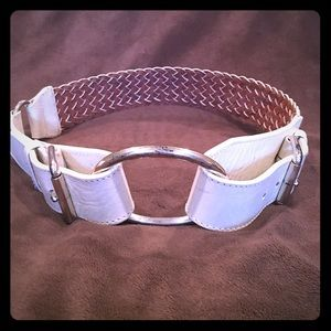Accessories - White leather belt with unique metal buckle.