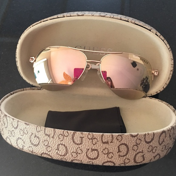 aa1c760379 Guess Accessories - Guess Rose Gold mirrored sunglasses