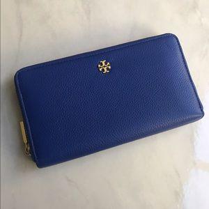 Tory Burch Handbags - 🆕Tory Burch 'Mercer' Zip Continental Wallet Blue