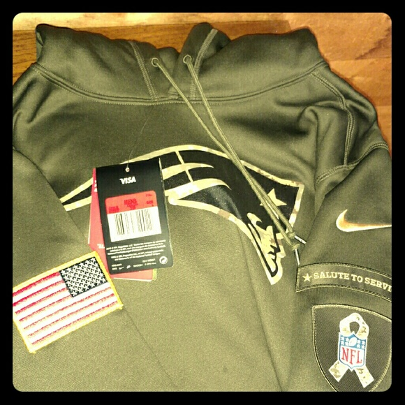 free shipping d8f0f 06a8d Salute to Service New England Patriot's Hoodie NWT