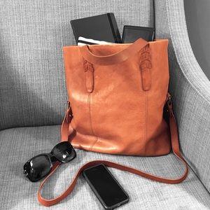 Madewell Handbags - ❤️ Madewell Dylan Convertible Tote