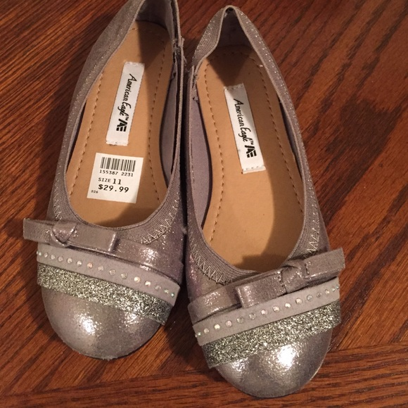 0007fe264df0 American Eagle by Payless Other - ✨toddler girl size 11 silver glitter shoes ✨
