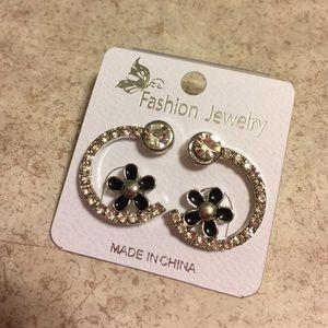 Jewelry - 💎BNWT Half Hoop Flower Crystal Earrings 💎