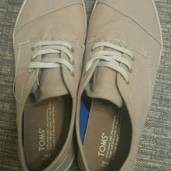 pretty nice 68af6 f3679 Toms beige canvas lace up sneakers - unisex