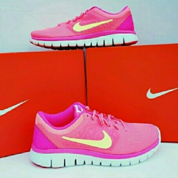 size 5 nike shoe