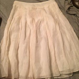 Pleated cream banana republic skirt