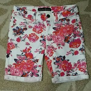 Vanilla Star Other - Girls Floral Shorts Size 10