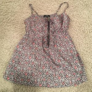 Beautiful silk floral top zippers in the front