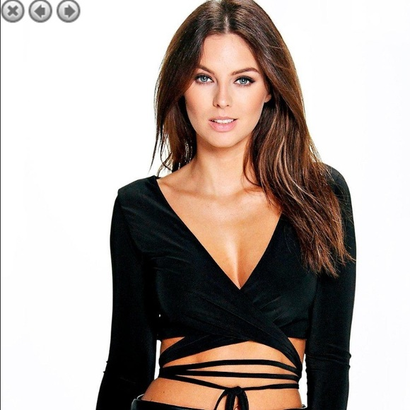 b6682794263 Boohoo Tops - Black Orla Strappy Wrap Front Long Sleeve Bralette