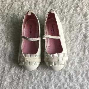 Other - White Dress shoes size 8