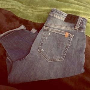 NWT JOE'S Jeans Size 31. Cropped Jeans.