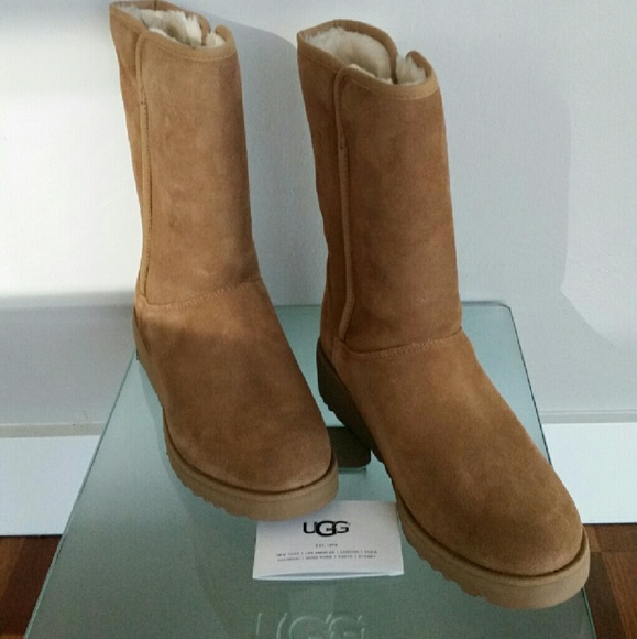 a5c6df76e137 UGG Amie - Classic Slim Water Resistant Short Boot