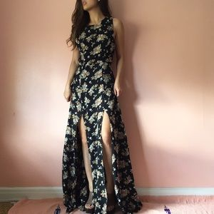 Flynn Skye Dresses & Skirts - Flynn Skye Fall Floral Double Slit Maxi Dress