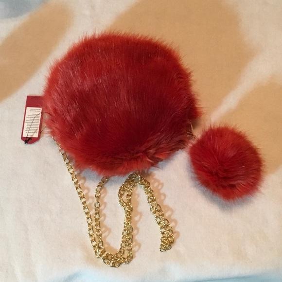 Round Faux Fur Cross Body Bag w Matching Purse Pom fd1a9e04e35c6