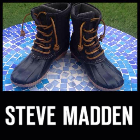 c39b2115fa0 Steve Madden  Tillis  duck boots in grey. M 580da9a57f0a057cb50a2374