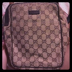 Gucci Handbags - Gucci cross body bag