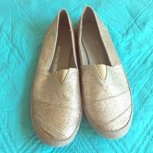 Gold canvas flats size 8.5