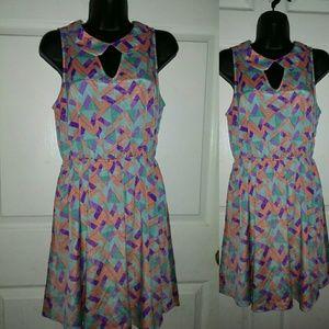 Women's Everly Keyhole Medium Triangle Dress