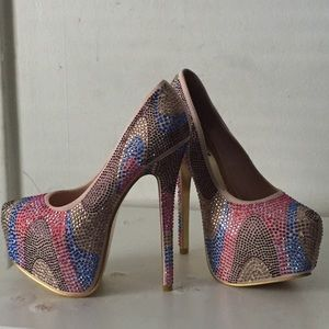 Louis Vuitton Shoes - ✨Last Price Drop✨Rhinestone Heels