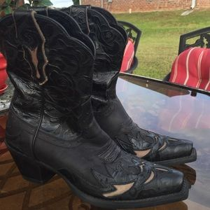 Shoes - ARIAT BLACK LEATHER COWGIRL BOOTS SIZE 8.5